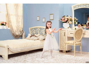 Кровать с резным изголовьем, без матраса и без решетки, спальное место 120*200 - 625.230