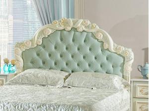 Кровать с резным изголовьем с мягкой вставкой, с решеткой и без матраса, сп. место 160*200 - 665.142