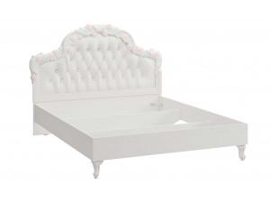 Кровать с резным изголовьем с мягкой вставкой, без решетки и без матраса, сп. место 160*200 - 665.344
