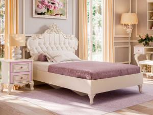 Кровать с резным изголовьем с мягкой вставкой, с решеткой и без матраса, сп. место 90*200 - 517.260