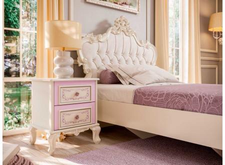 Кровать с резным изголовьем с мягкой вставкой, без решетки и без матраса, сп. место 120*200 - 517.292
